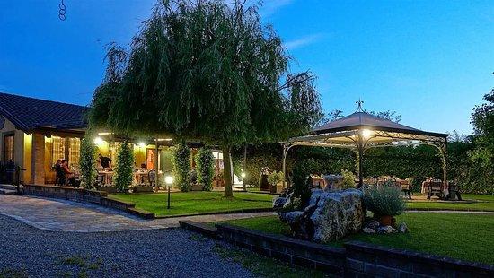 cena-in-giardino